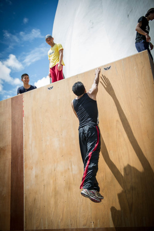 parkour-wall-pass-jump-asia-superfly