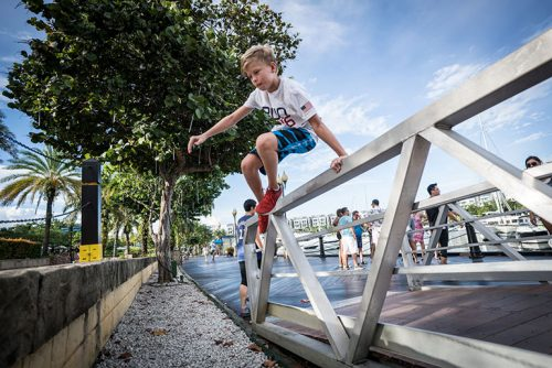 sentosa-Cove-Parkour-Family-Kid-Vault-770-03564
